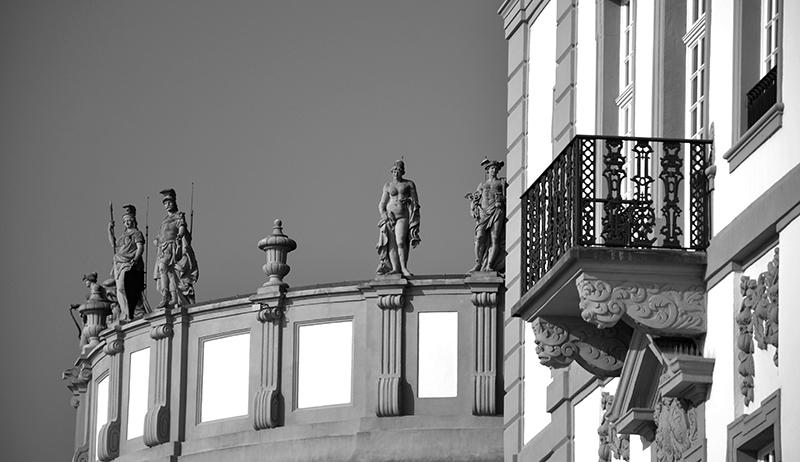 Réunion au Château.